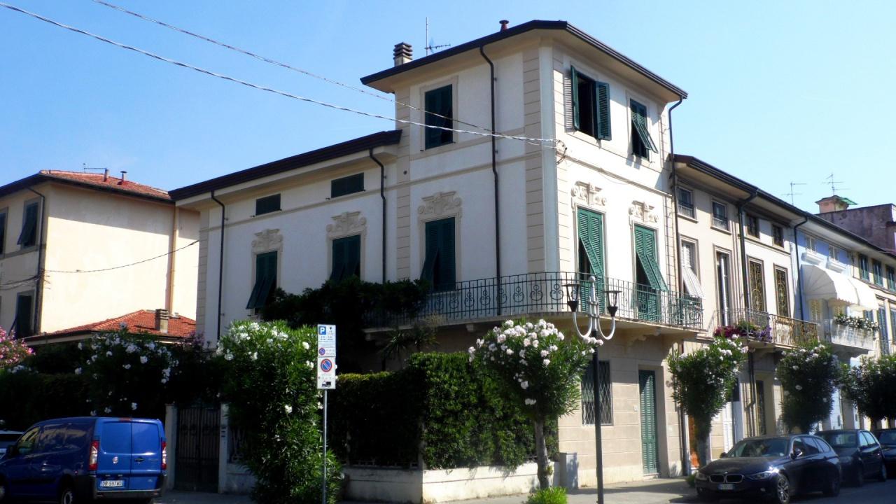 villa vendita viareggio centro